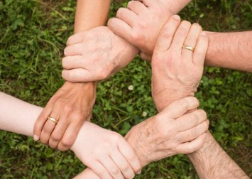 International day of families: How to help those in need