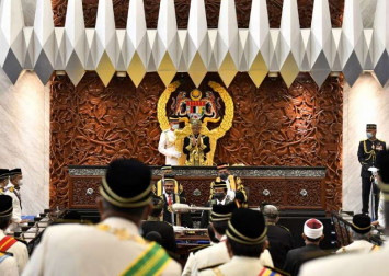 Covid-19 frontliners given standing ovation by Malaysia's Parliament