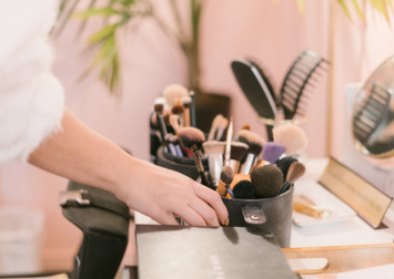 Pregnancy-safe makeup: Why pregnant women should avoid makeup with parabens