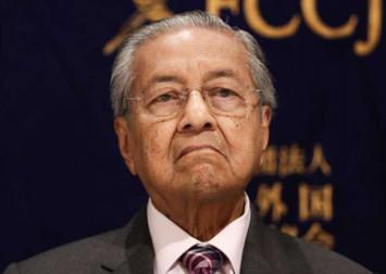 Mahathir slams brief Parliament sitting