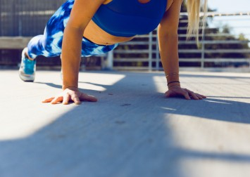 7 reasons why mountain climbers are one of the best exercises to do