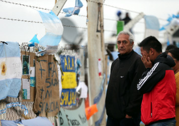 'Explosion' dashes last hopes for missing Argentine sub with 44 aboard