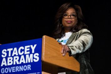TV titans Trump, Oprah go head to head on US campaign trail