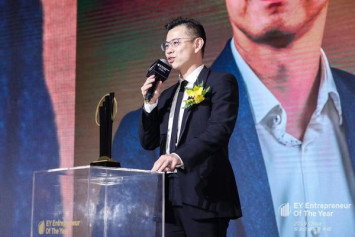 """iClick Interactive Co-founder and CEO Wins Prestigious Business Accolade """"EY Entrepreneur of The Year China 2019 Award in Technology Category"""""""