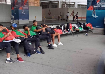 Sleeping on the floor - SEA Games off to horror-show start for football players