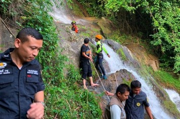 French tourist killed taking selfie at waterfall in Thai island of Koh Samui