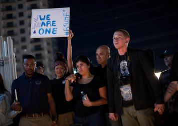Investigators search for motive in Las Vegas massacre