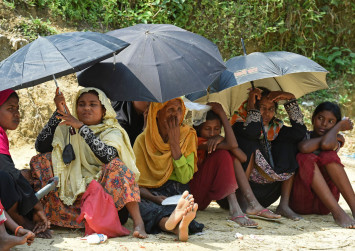 Myanmar gives green light to resume food aid to Rakhine, says UN