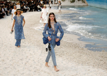 Karl Lagerfeld takes Chanel to beach for his second youth