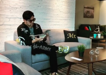 Jay Chou seen chilling out at JB shopping malls