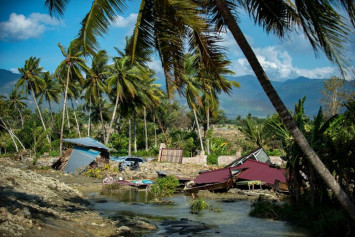 Sulawesi quake: Tsunami worsened by shape of Palu bay, say scientists