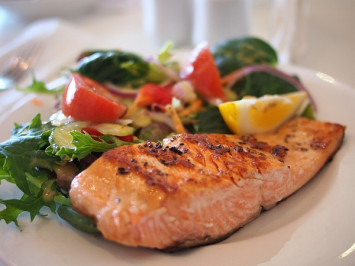 Eating fish boosts chances of healthy aging, study says