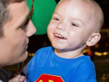 2-year-old boy who received early Christmas celebration dies of cancer