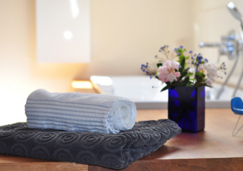 What are the different towels that should be in your bathroom?