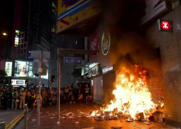 Hong Kong MTR services suspended on Saturday after protest violence
