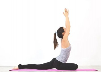 7 relaxing yoga poses to relieve stress, anxiety and worry