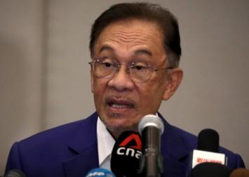 Malaysia palace postpones meetings with allies of Anwar Ibrahim