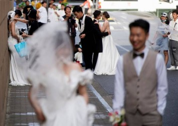 China wants to incentivise people to have 3 kids, but young people don't even want to get married