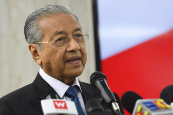 Mahathir: We have told Singapore we want a review of water agreement