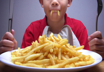 Should children diet? App may help them lose weight, but won