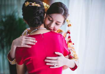 How to (politely) say no to his mother when wedding planning