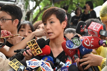 Denise Ho attacked with paint at pro-Hong Kong democracy rally in Taiwan
