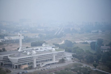 PSI hits unhealthy levels in Singapore for first time since 2016 as haze worsens