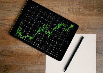 3 reasons to fall in (g)love with this stock