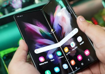 Samsung Galaxy Z Fold 3 5G has great features but still experimental at a high price