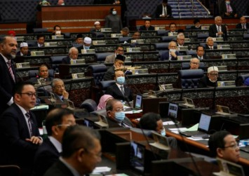 Malaysian lawmakers agree no house dissolution before end-July 2022