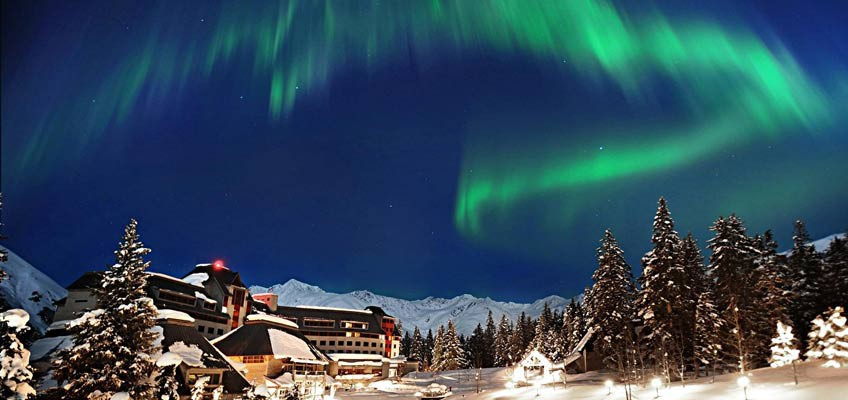 Love Northern Lights? Fulfill your holiday fantasy at these amazing hotels