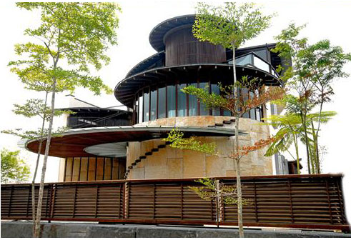 Photos the wooi residence a sustainable green home for Award winning home designs 2012