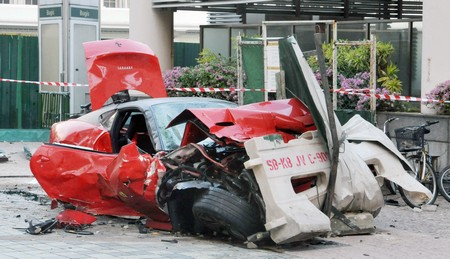 Жуткая авария Ferrari 599 GTO VS такси
