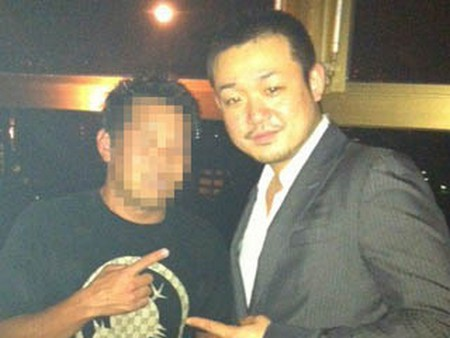 Makiyos friend, TAKATERU TOMOYORI, owns a few nightclubs in Japan.