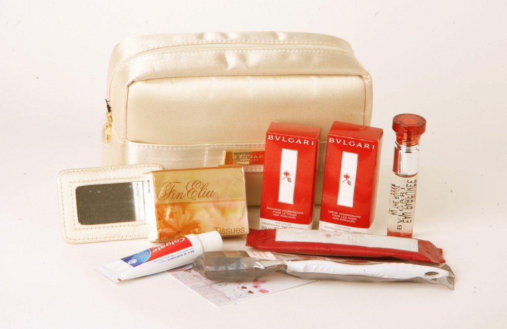 Transportation Collectables Emirates Business Class Bvlgari Amenity Kit Products Hot Sale In-flight Gifts/ Amenity Kits